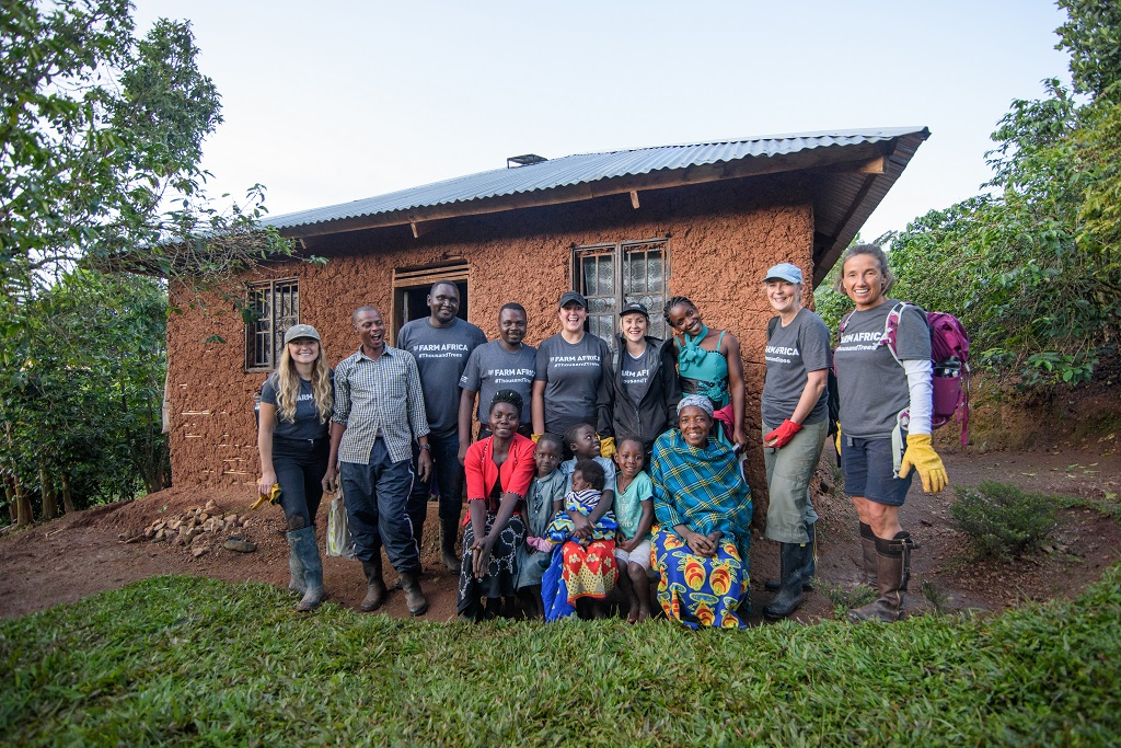 Marian Scott of Devenish Nutrition, Sarah Louise Fairburn of L J Fairburn & Son, Frances Swallow of Finsbury Food Group and Susie McIntyre of Kettle Produce Ltd pictured with local coffee farmers in Kanungu, Uganda and Farm Africa staff.